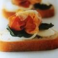 bandeja con tostas campestres de jamón ibérico